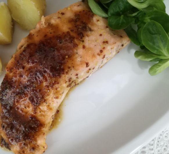 Receta de Salmón a la mostaza y miel con patatas al vapor