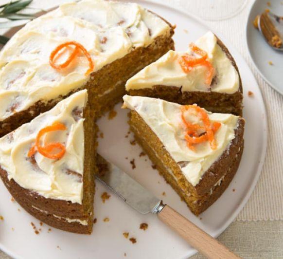 Tarta de nueces con crema de mascarpone y café