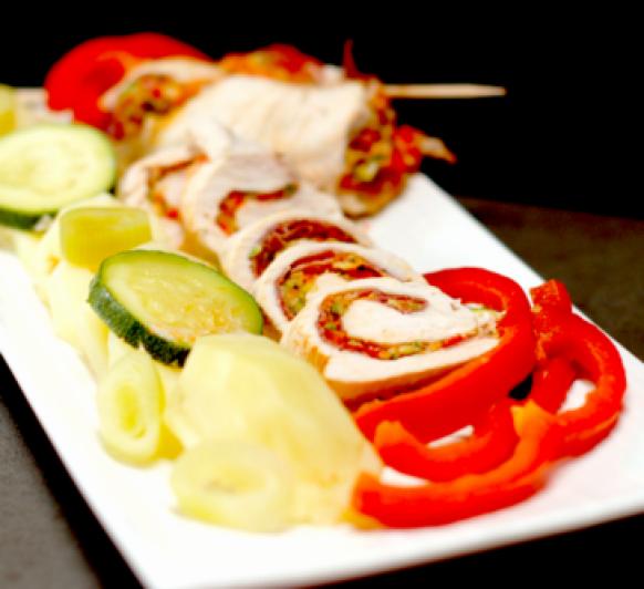 Pechugas de pollo, jamón, verduras y patatas