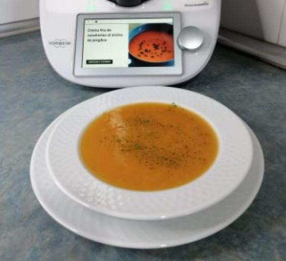 Crema fría de zanahorias al aroma de jengibre con Thermomix®