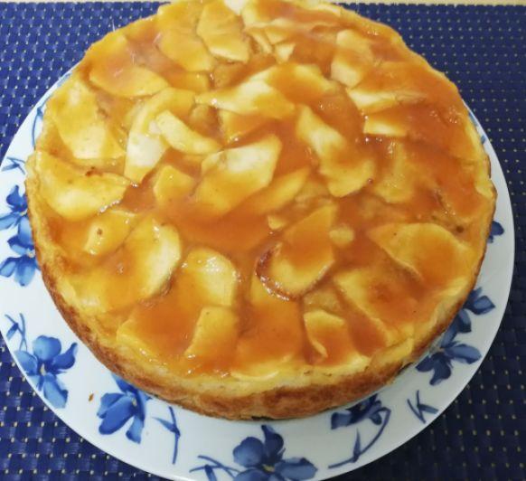 Tarta de manzana con glaseado de albaricoque en Thermomix® .