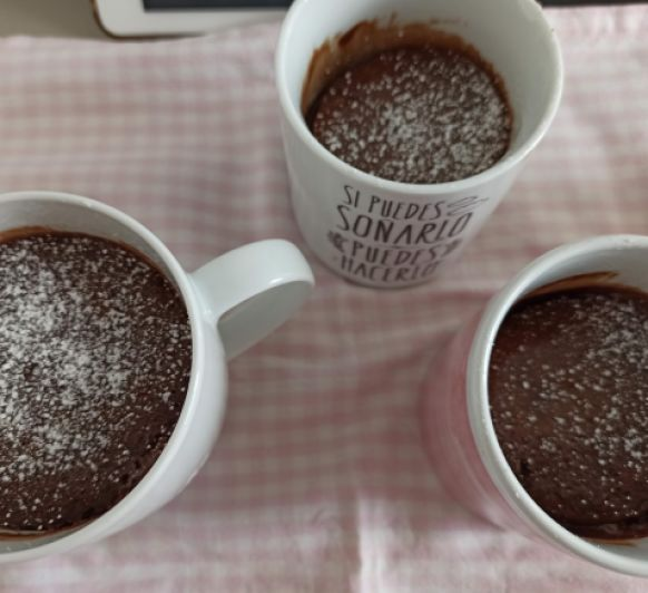 Prepara tu mug cake de crema de cacao y avellanas en tu Thermomix® , en 5 minutos
