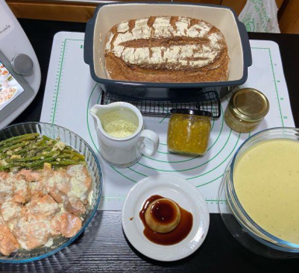 "Menú: con Thermomix® '' Vichyssoise. Salmón .Pan de Espelta y bebida de cítricos"""