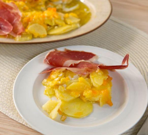 Huevos rotos con patatas y jamón Con Thermomix®